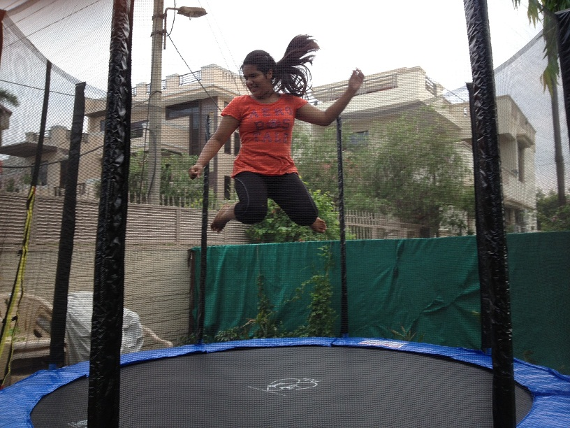 12 Feet Big Trampoline With Safety Net