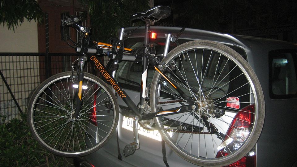 Toyota-Innova-Car-Bicycle-Carrier