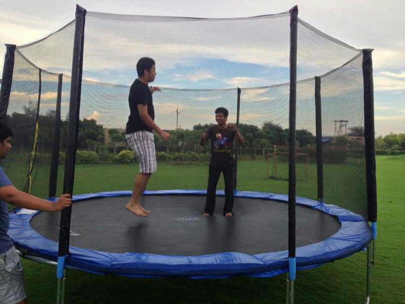 14 Feet Big Trampoline With Enclosure Safety Net