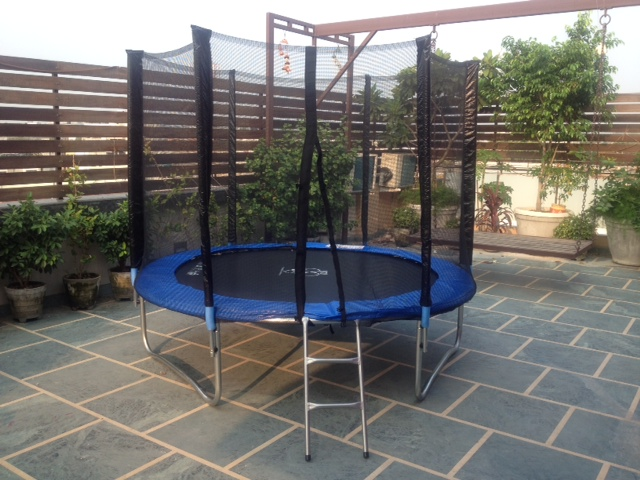 6 Feet Big Trampoline With Safety Enclosure